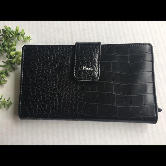 Buxton Handbags - 🖤Buxton Everglades Super Wallet🖤